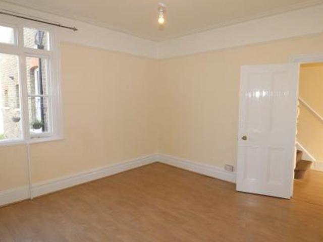 4 Bedroom House To Rent In Westcliff On Sea   £1,500 Pcm