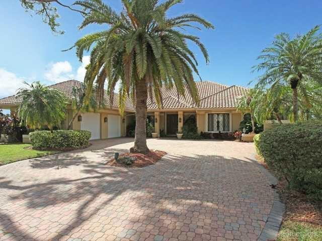 4 Bedroom Luxury Villa For Rent In West Palm Beach, Florida