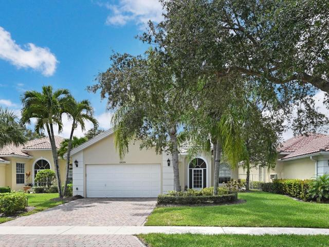 4 Bedroom Luxury Villa For Sale In Palm Beach Gardens, United States