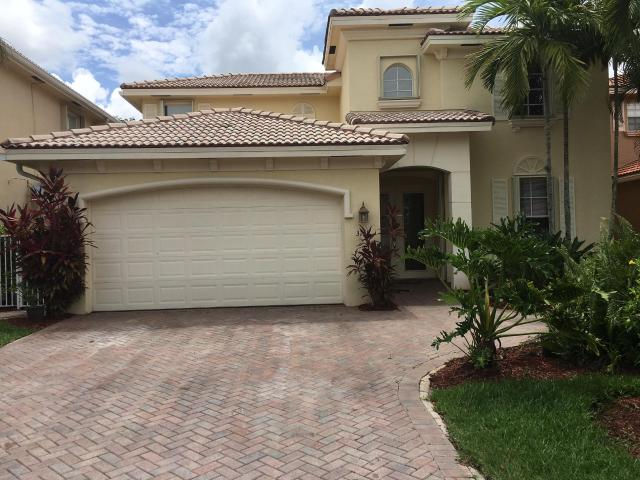 4 Bedroom Luxury Villa For Sale In West Palm Beach, Florida