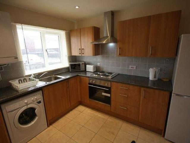 4 Bedroom Property To Rent In Heath Avenue, Lower Broughton On Boomin