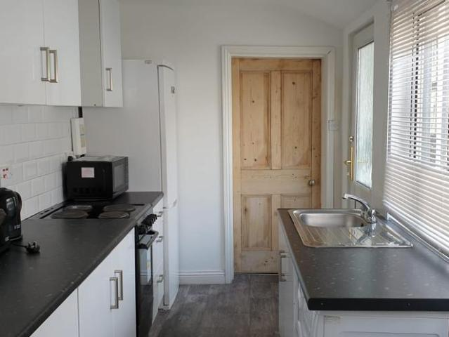 4 Bedroom Terraced House To Rent