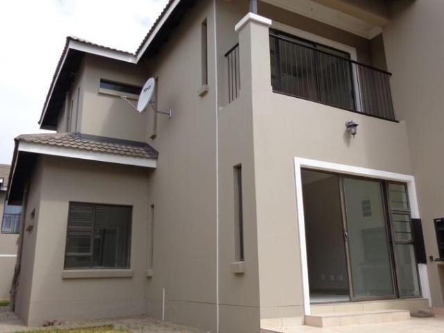 4 Bedroom Townhouse For Sale In Shellyvale
