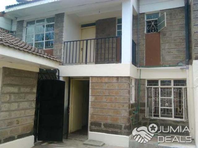 4 Bedroomed Master Ensuite + 1 Bedroomed Guest Wing For Quick Sale In South C