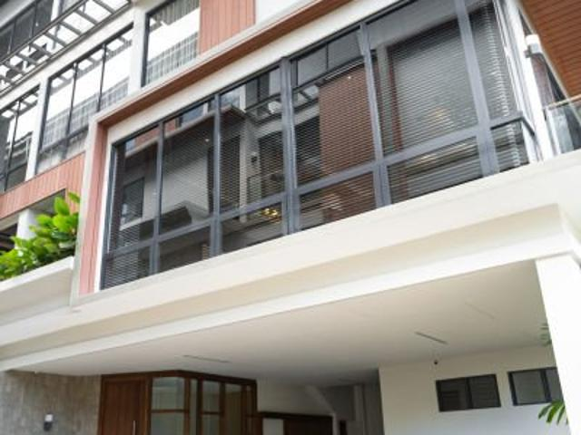 4 Bedrooms 3 Parking Slot Spacious Townhouse For Sale In Paco Manila Near Robinsons Otis M...