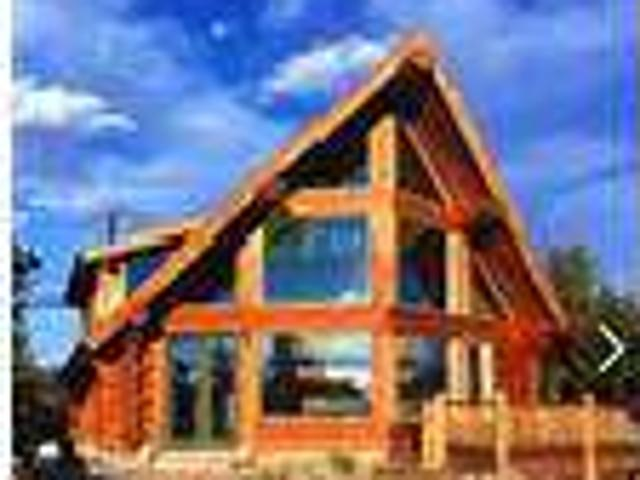 4 Bedrooms Log Home Overlooking Twin Lakes