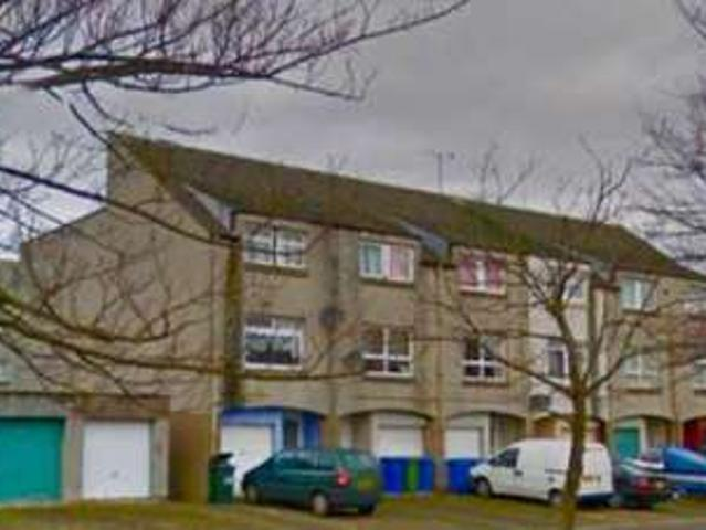 4 Bedrooms Town House For Rent In Lumley Street, Grangemouth Fk3