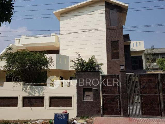 4+ Bhk In Independent House For Sale In Sector 21b