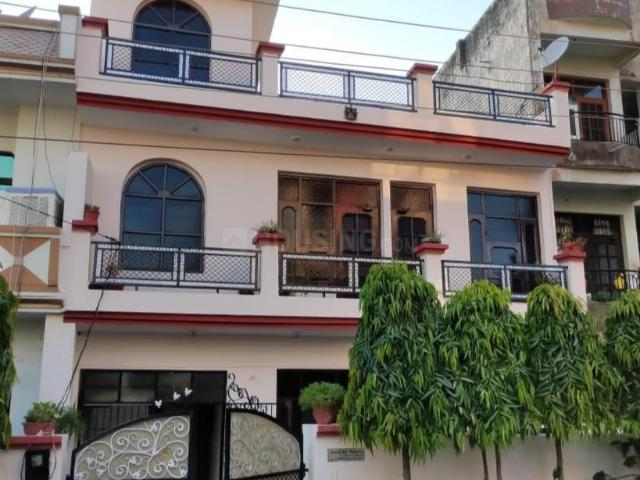 4 Bhk Independent House In Dhakoli For Resale Zirakpur. The Reference Number Is 6636294