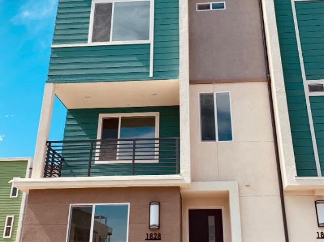 4 Br, 4 Bath Townhome 1828 Orion Ave