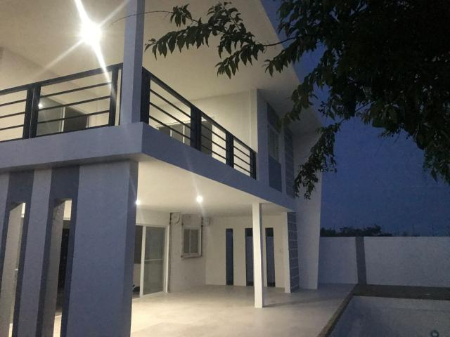 500 Square Meter House And Lot With Infinity Pool Located At Barangay Montaña, Baclayon, B...