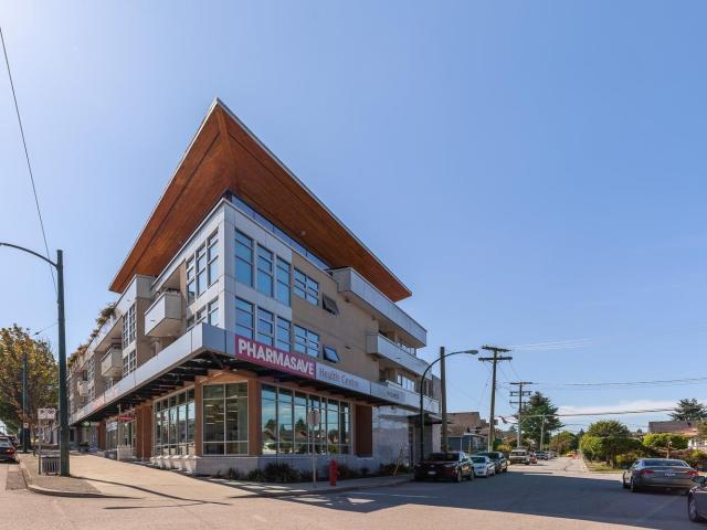 $522,800 303 4338 Commercial Street, In Vancouver, Bc