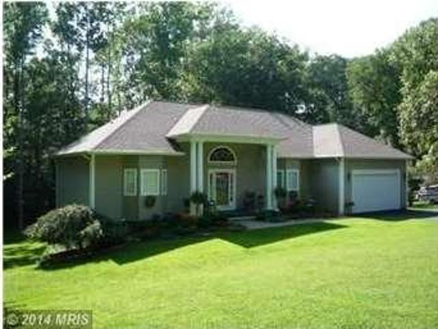 5305 Wyndemere Circle Single Family Home