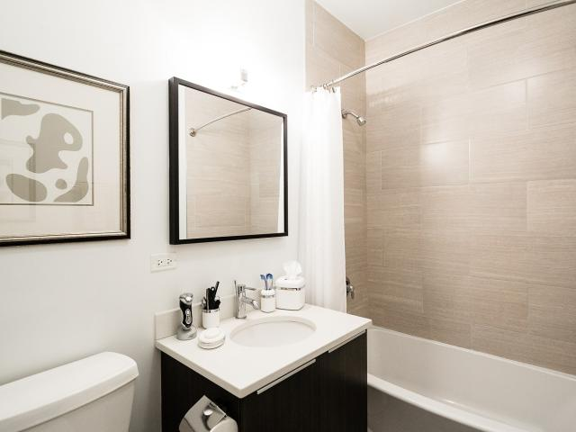 5427 N Broadway 3 Bedroom Apartment For Rent At 5427 N Broadway St, Chicago, Il 60640 Edge...