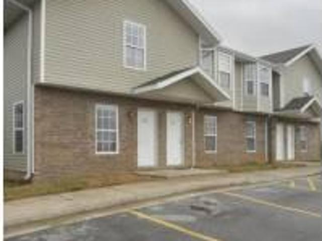 $575 / 2br 2 Bed 2.5 Bath Pay Only Electric Available Now! 5592 White Ozark