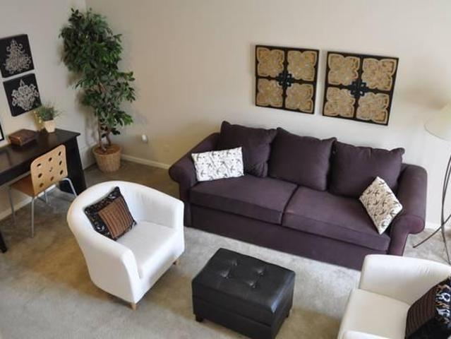 $575 / 2br 922ft² 2 Story Townhouse!