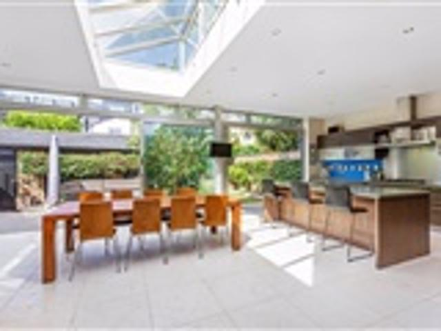 5 Bed House For Sale Woolneigh Street Fulham