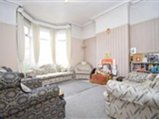5 Bed Semi Detached For Sale Uppingham Road Leicester