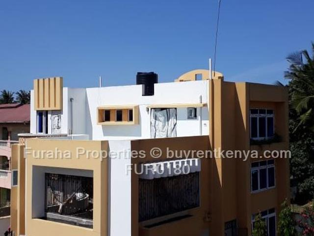 5 Bed Townhouse For Sale In Bombolulu