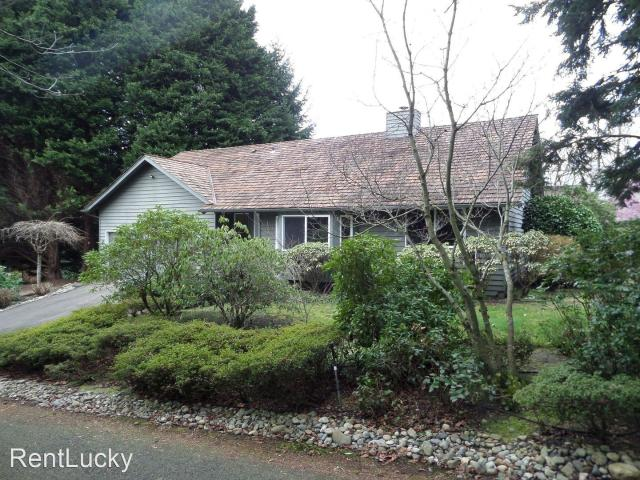 5 Bedroom Home For Rent At 7036 Ne 147th St, Kenmore, Wa 98028 Moorlands