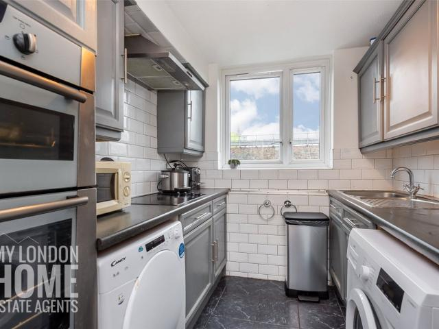 5 Bedroom House For Sale In Lucey Way, Bermondsey, Se16 On Boomin