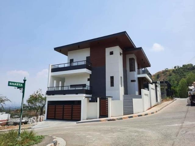 5 Bedroom House For Sale In Taytay, Rizal