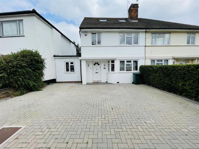 5 Bedroom House For Sale In The Grove, Edgware On Boomin