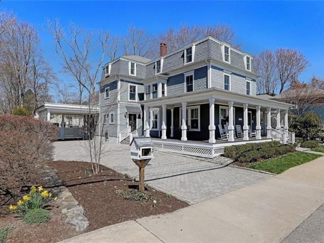 5 Bedroom Luxury Flat For Sale In East Greenwich, United States