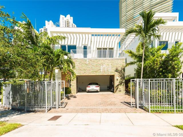 5 Bedroom Luxury Villa For Rent In Sunny Isles Beach, United States