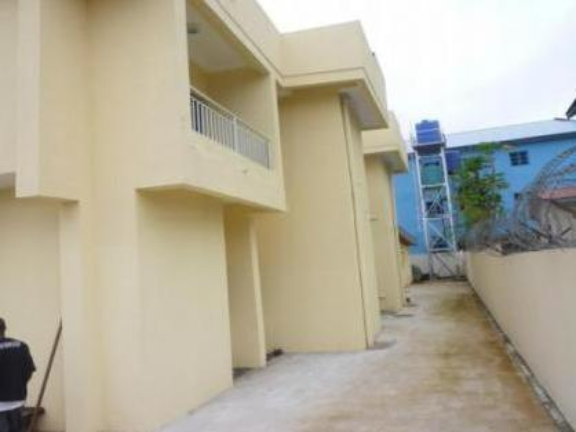 5 Units Of 3 Bedroom Flats In A Twin Semi Detached Duplex For Sale
