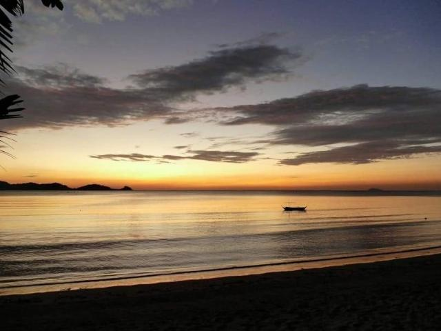 5br Beachfront House For Sale In Lian, Batangas