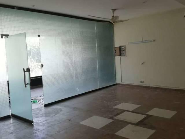 5marla Commercial 1st Floor Hall For Rent In Bahria Town Lahore