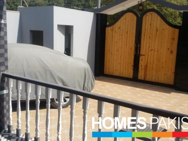 600 Sq Yards 5 Bedrooms Good Location House For Sale