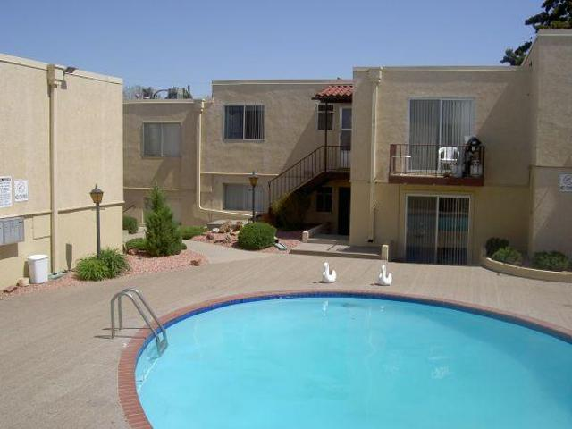 $605 / 2br Extra Large Master Bedroom 2 Bedroom Condominium Move In Ready Belmont Northside