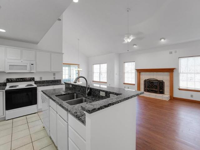 612 Concord Village Circle, Johnstown, Oh 43031