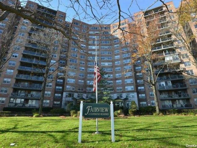 61 20 Grand Central Parkway #b807, Forest Hills, Ny 11375