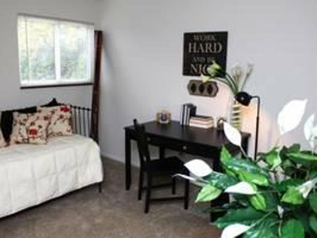 $620 / 2br 882ft² Details Make The Difference