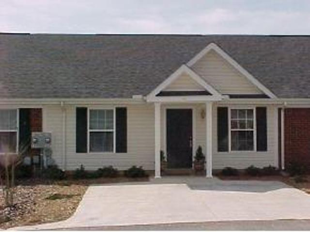$640 / 2br 1040ft² * Free Gift W/* 1,2,3 Br Apartments * Apartments * Apartments * Now!* C...