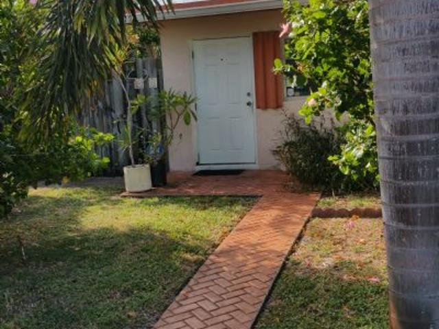 $695 Room For Rent In Hollywood