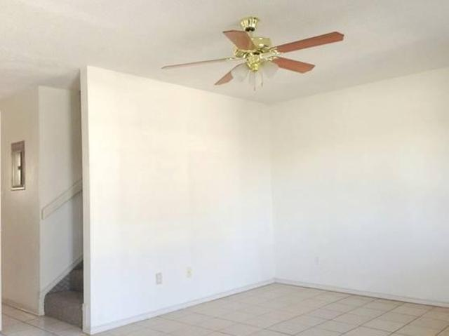 $655 / 2br 2bed 1.5bath Spacious Townhome Ready For Move In $655.00
