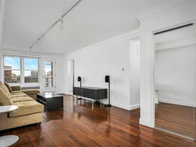 66 10 Thornton Place #6g, Forest Hills, Ny 11375