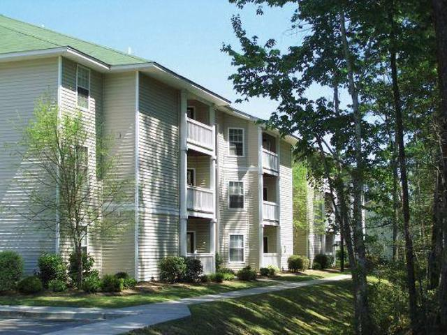 $695 / 2br 923ft² Hurry! Spacious 2 Bedrooms 2 Full Baths