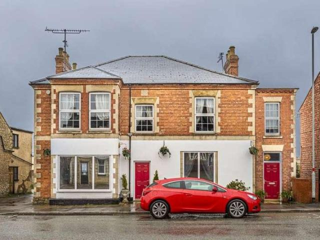 6 Bed House For Sale