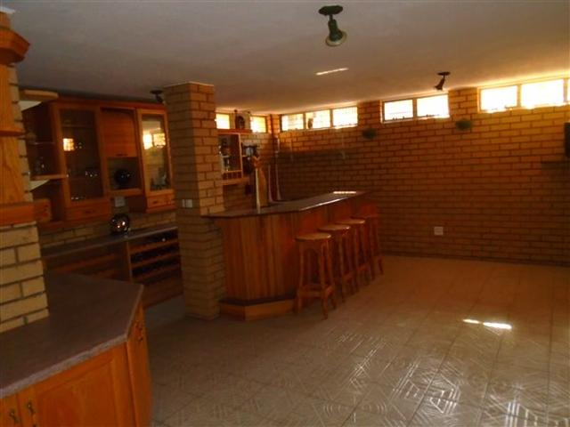 6 Bed House In Meyersdal