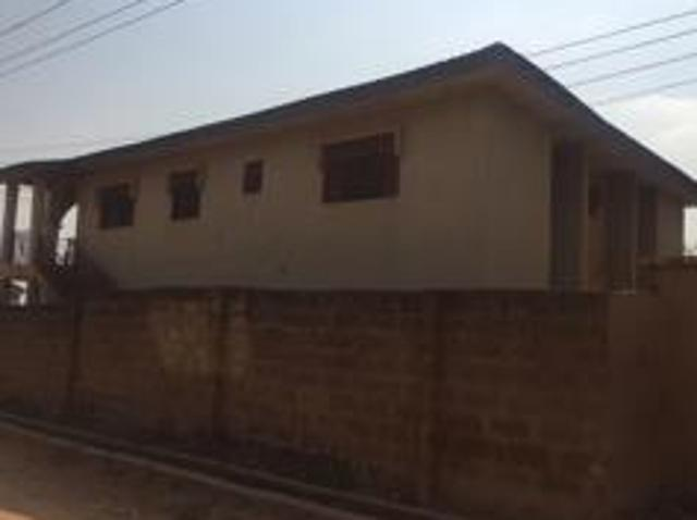 6 Bedroom House For Sale In Osogbo For ₦ 22 000 000 With Web Reference 109586215