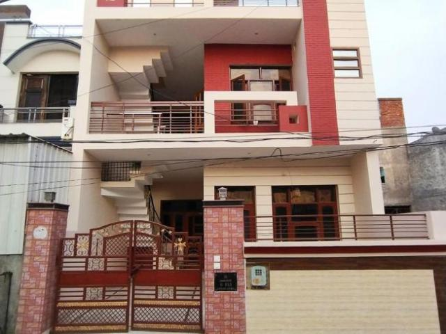 6 Bhk Independent House In Utrathiya For Resale Zirakpur. The Reference Number Is 6398287