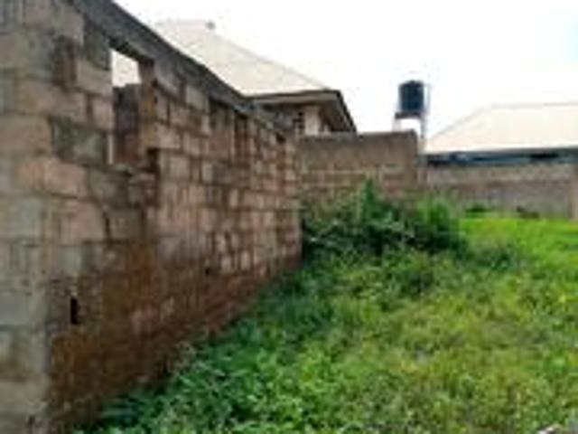 6bdrm House In 6 Rooms Apartment, Osogbo For Sale