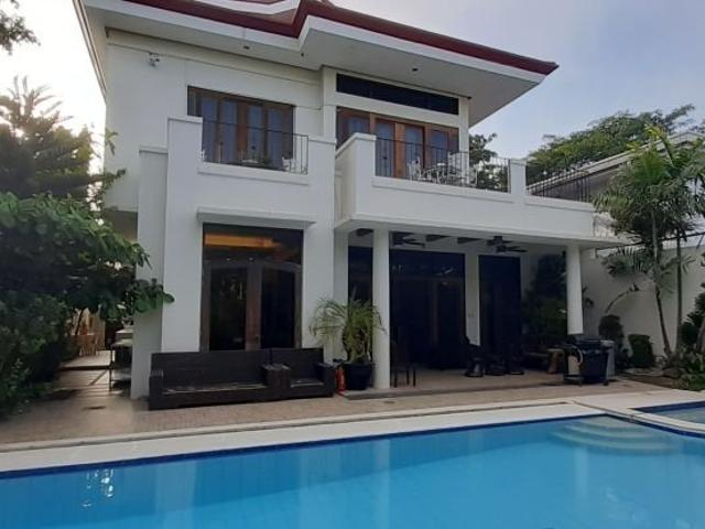 6br House For Sale In Betterliving, Parañaque City