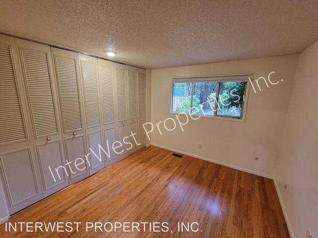 7021 7025 Sw Canyon Road 2 Bedroom Apartment For Rent At 7021 7021 7025 Sw Canyon Road, Ce...