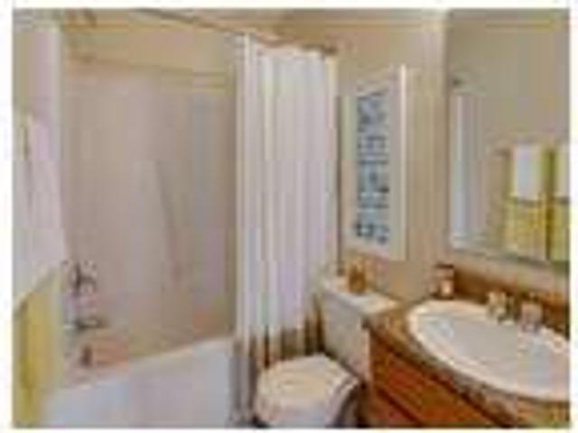 $709 / One Br Great Deal. Must See. Pet Ok!